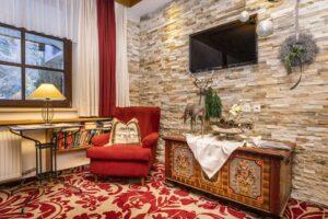 Lounge mit Fernseher
