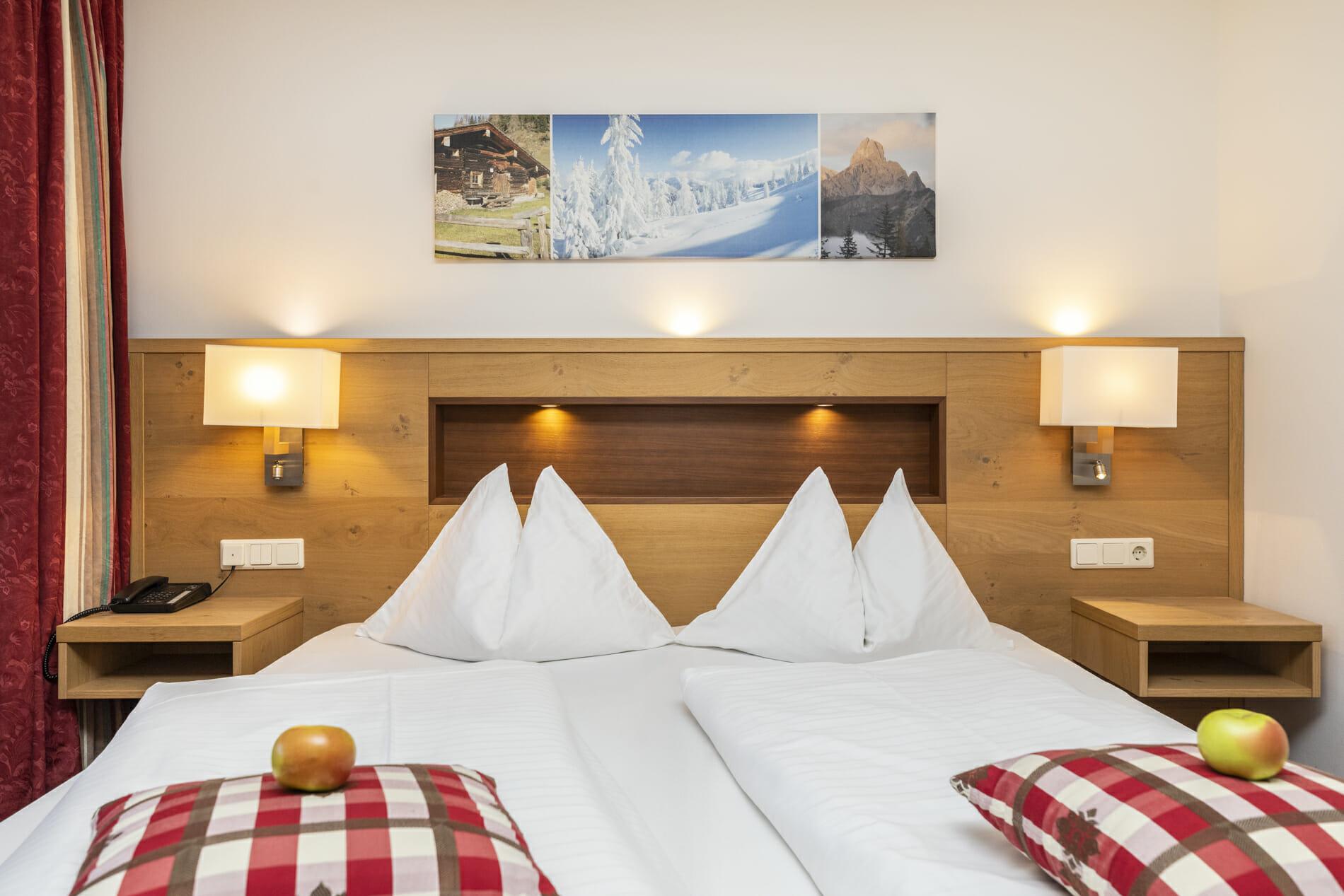 Doppelzimmer Griessenkar mit Doppelbett