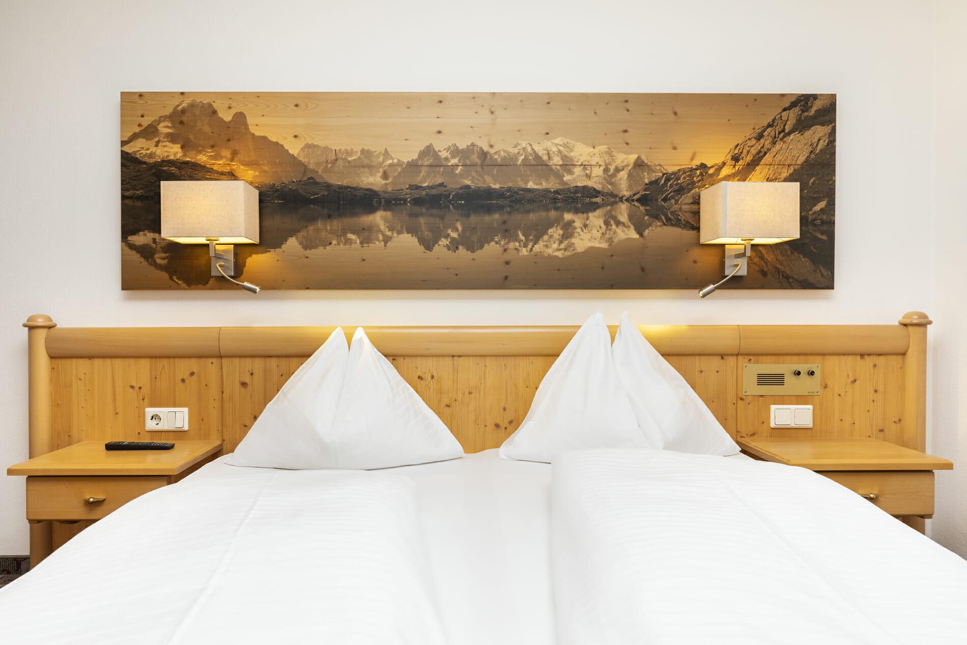 Doppelzimmer Lackenkogel mit Doppelbett