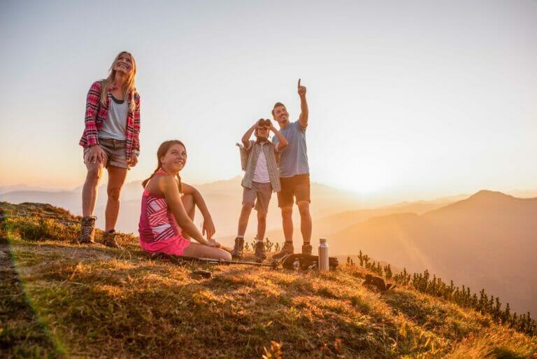 Wanderurlaub mit der Familie in den Alpen